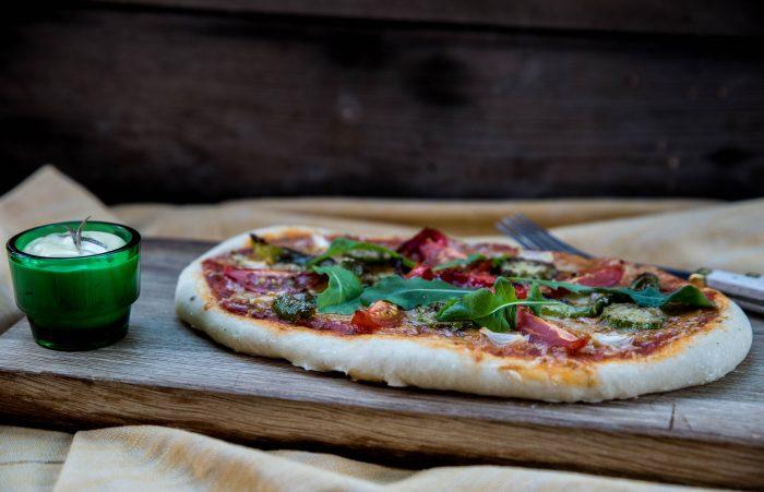 Farbror Gröns hembakade pizza med grönsaker