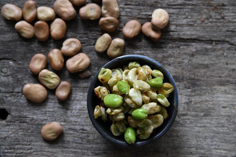 Skräpmat – läckert snacks av bondbönsskal